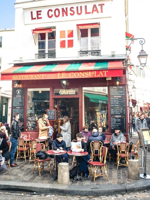 Paris montmartre consulat