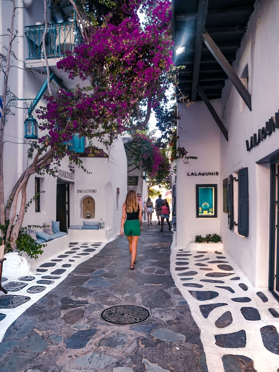 greece-mykonostown-street